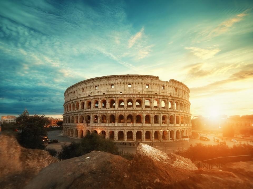 Coliseu - Roma [ Ver imagem original ]